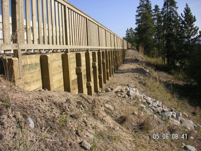 Retaining Wall And Fence For Ski Chalet