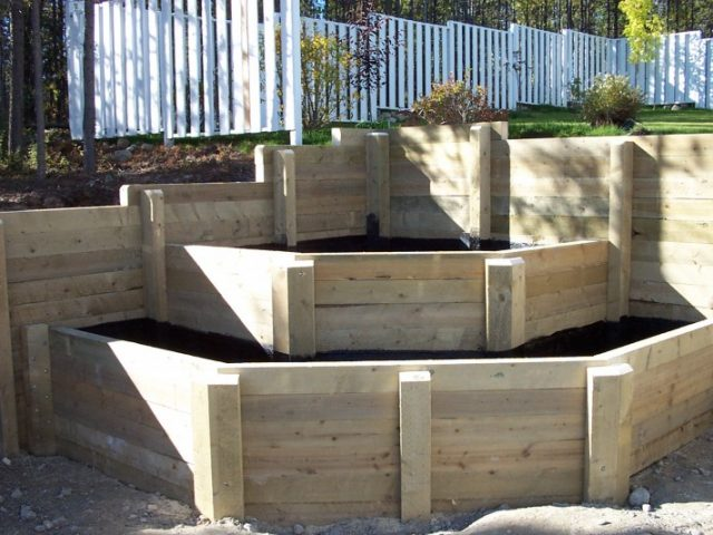 Corner Planter Bed Combined With Timber Retaining Wall